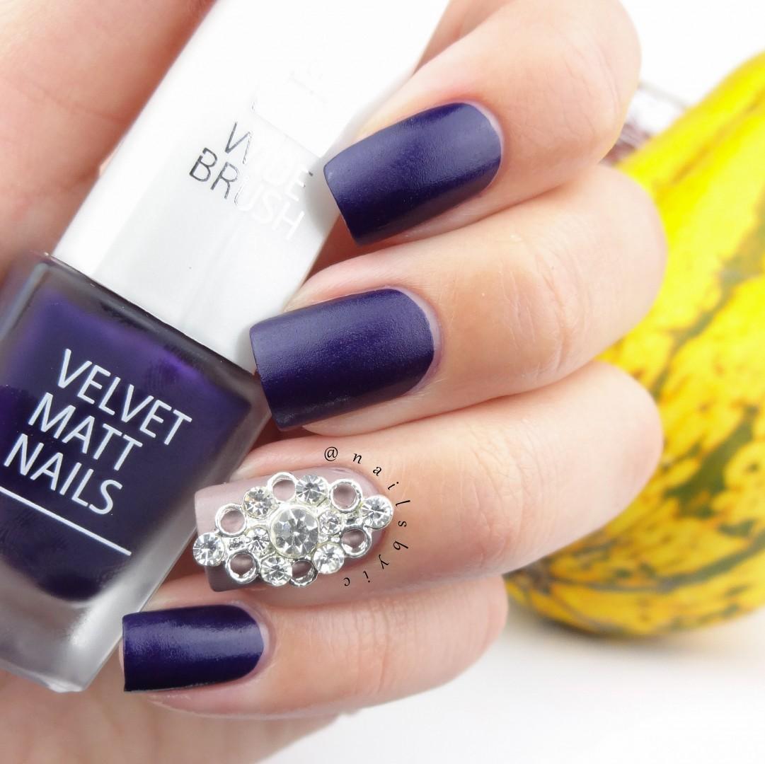 IsaDora Velvet Matt Nails 2015 Review And Nail Art ROYALMATTS
